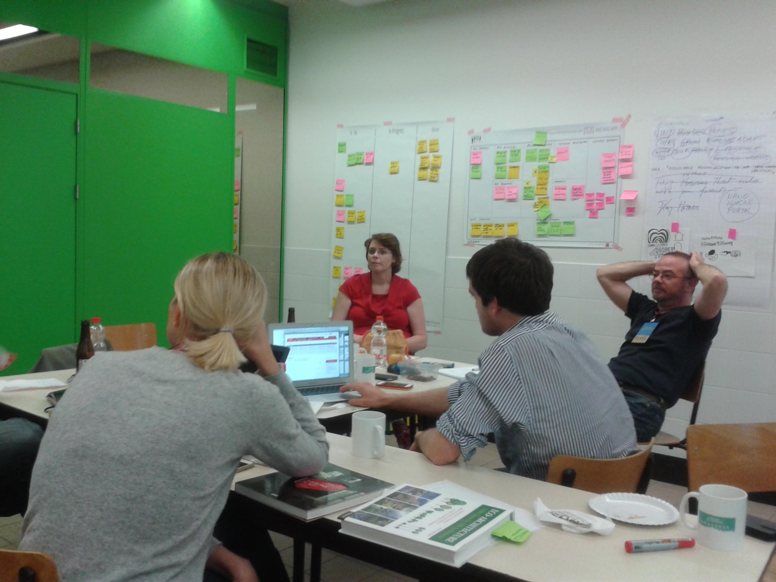 L'équipe de Fit my Nest en plein brainstorming